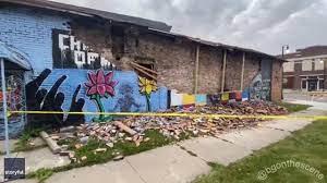 George Floyd mural in Toledo collapses ...