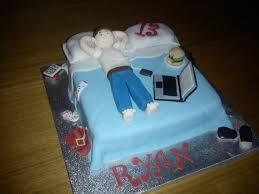 12 Cool Teenage Boy Birthday Cakes Photo Teenage Boy Cake Ideas