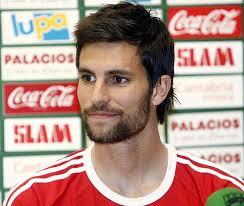 El centrocampista madrileño Adrián González, quién se encuentra a la espera de que los administradores concursales den el visto bueno para formalizar ... - 1342090547_extras_mosaico_noticia_1_g_0