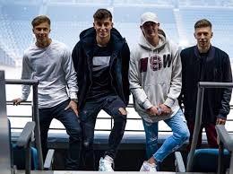 """Bayer 04 Leverkusen on Twitter: """"Friday night show 🎶 for Sam ..."""