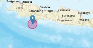 Pada kamis dini hari, tepatnya gempa ini berpusat pada perairan samudra hindia dengan jarak 273 kilometer dari arah barat daya. Info Gempa Pagi Ini 25 Oktober 2020 Di Jawa Barat Bmkg Hati Hati Gempa Susulan Pikiran Rakyat Bandung Raya