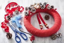making red wreath diy handmade