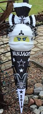 Schultüte/Zuckertüte mit Ninjago Zane Maske 2019   Schultüte bastelset  jungen, Schultüte, Schultüte basteln