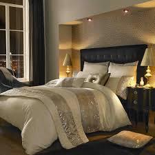 Modern Bedroom Bedding Interiors Contemporary Bedroom Design Idea With Parchment Dorm