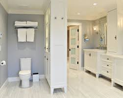 Mid Sized Traditional Master Bathroom Remodel 11071