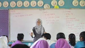Tau sendirikan besarnya penghasilan guru honorer? Gaji Sebagai Guru Honorer Sangat Kecil Lakukan Ini Untuk Menyiasatinya Sekolahdasar Net