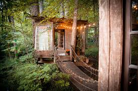 Worldu0027s Most Incredible Treehouse Hotels PHOTOS  Treehouse Hotel Treehouse Vacation California