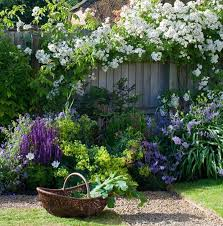 english garden design. DISCOVER WHICH 7 COMMON FLOWERS YOU WISH HAD NEVER PLANTED | Garden Pics And Tips English Design N