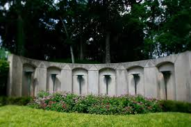 moore memorial gardens cemetery the grave site of howard r hughes in glenwood cemetery on friday aug
