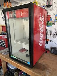 Frigoglass, the largest glass bottle producer in west africa, has operations in 19 countries in the ice cold merchandisers market. Coca Cola Frigoglass Not Cooling Doityourself Com Community Forums