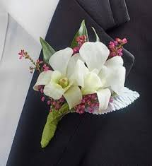 Heb Corsages How To Choose Prom Corsage And Boutonniere Accessories