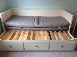 The first thing about choosing the best bed is that you should choose the  most suitable one with your need. It can be about the material, shape,  size, ...