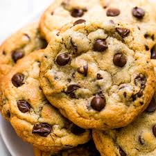 Best Bakery Style Chocolate Chip Cookies Recipe - Handle the Heat