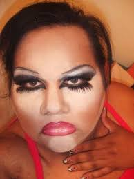 selfie of lady failed with her worst makeup