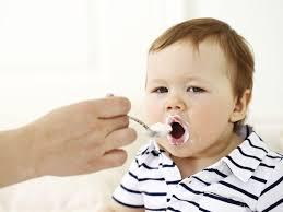 Bé mấy tháng ăn được phô mai bò cười và nên ăn như thế nào mới đúng?