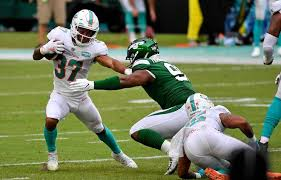 Le'Veon who? Dolphins' starting RB Myles Gaskin makes a statement