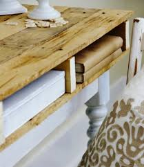#WoodPallet #upcycle to desk at Thistlewood Farm #DIY #crafts