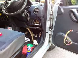 berlingo electric window problem french car forum you should hear a click from the little relays inside the green box as you press the dash window button up and down