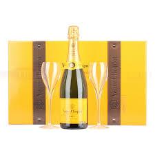 veuve clic ponsardin yellow label brut nv chagne traveller set 2nd edition 75cl 12 abv