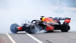 Baku city circuit *socar azerbaijan grand prix qualifying: Formula 1 2021 News Baku Race Review Pirelli Drama Hamilton Brake Woes And One Happy Sebastian Vettel Eurosport