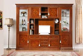 Decorazioni In Legno Da Parete : Parete soggiorno classica in legno massello con decorazioni