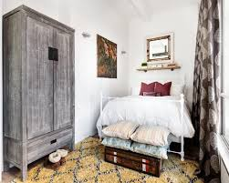 Neutral Wallpaper Bedroom 10 Neutral Bedrooms That Are Far From Boring Hgtvs Decorating