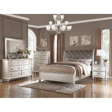 Captivating Saveria 4 Piece Bedroom Set