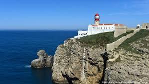 Um lugar para discutir apenas artigos relacionados com portugal ou portugueses pelo mundo. Portugal Pins Economic Hopes On Early Reopening Of Tourism Business Economy And Finance News From A German Perspective Dw 12 05 2020