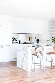 Best 25+ Mirror splashback ideas on Pinterest | Kitchen mirror ...