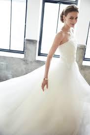 王道の姫ドレスプリンセスラインドレスの着こなし術