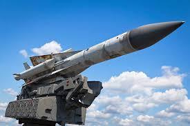 ミリタリー青空とミサイル