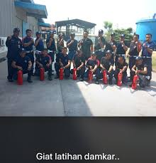 Kirimkan cv dan lamaran lengkap ke email : Yayasan Satpam Karawang Progarda Jasa Security Cleaning Service