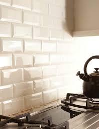 How to Choose the Right Subway Tile Backsplash : Ideas and More! | Beveled subway  tile, Subway tile backsplash and Subway tiles