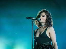 Lorde breaks her 3-year social media ...
