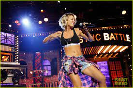 Kaley Cuoco Slays with 'I'm a Slave for You' on 'Lip Sync Battle': Photo  3563110 | Josh Gad, Kaley Cuoco, Lip Sync Battle Pictures