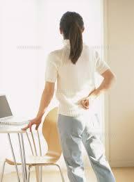 「腰痛 女性 無料画像」の画像検索結果