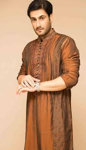 Designer Kurta For Groom Latest Mehndi Kurta Designs For Grooms In 2019 Mens Kurta