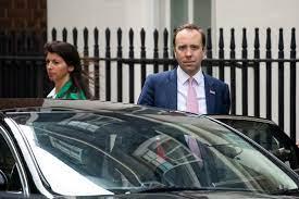 استقالة وزير الصحة البريطاني بعد ضجة كبيرة بسبب تقبيله مساعدته خلال قيود  كورونا - CNN Arabic