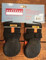 For Two Pairs Of Muttluks Snow Mushers Snow Mashers Dog Boots Size 6 Oranges