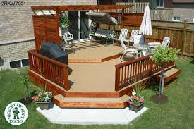 two level deck with privacy screens and a pergola 2rxw7001 plans c78