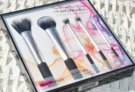 real techniques nic s picks makeup brush set giveaway