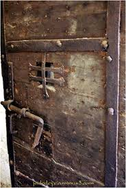 Medieval Doors medieval trap door google search kelders pinterest trap 8748 by xevi.us