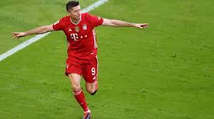 Scopri ricette, idee per la casa, consigli di stile e altre idee da provare. Fc Bayern Munchen Feiert Schutzenfest Gegen Monchengladbach Lewandowski Dem Muller Rekord Ganz Nah Eurosport