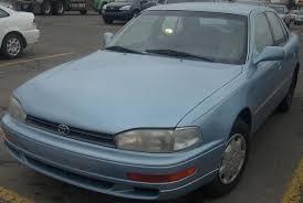 File:'92-'94 Toyota Camry LE Sedan.JPG - Wikimedia Commons