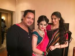 avinash gets the best makeup man award this year