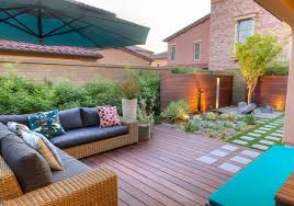beautiful-small backyard ideas wooden deck privacy wall outdoor furniture  succulents
