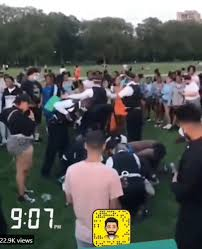 Stabbing in hyde park happened about 1 hour ago pic.twitter.com/m8ep9l44dz. Ma3omjwyqwjl7m