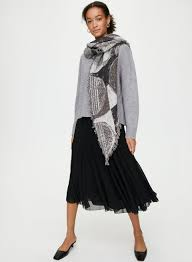 Love Haus Size Chart Wilfred Haus Party Triangle Scarf Aritzia Intl