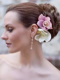 Свадебные причёски с орхидеями СВАДЕБНЫЕ ПРИЧЕСКИ svadebnaja prichyoska s orkhideej В совереном мире свадебные причёски