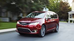 2018 chrysler hybrid pacifica. simple hybrid 2018 chrysler pacifica vs honda odyssey throughout chrysler hybrid pacifica